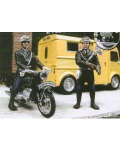 2 Verkehrspolizisten